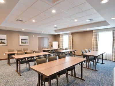 Menomonie Hampton meeting room